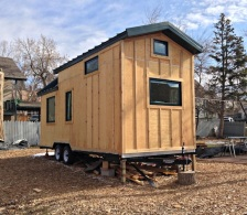 building-tiny-houses-on-trailers-l-b744612ee972ce8e