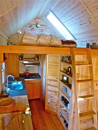 CI-PAD-TinyHouses-home-interior_s3x4.jpg.rend.hgtvcom.1280.1707