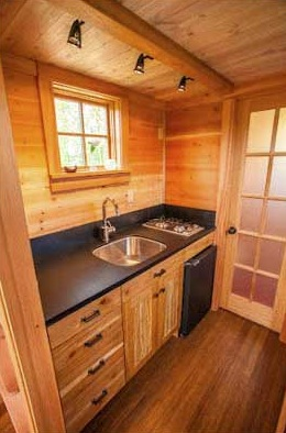 jade-tiny-house-3
