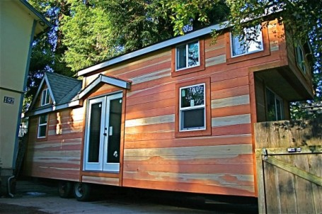 molecule-tiny-house-02-600x398