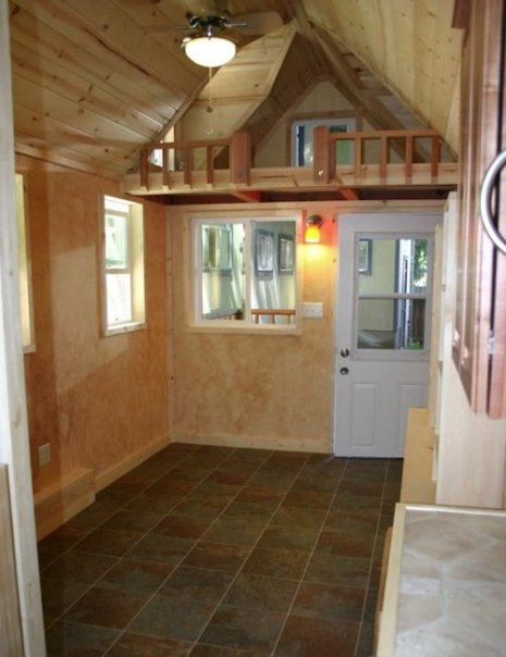 tiny-houses-on-trailers-interior-94qtk7vh