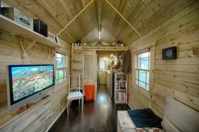 Tiny-Tack-House-Chris-and-Malissa-Tack-7-537x357